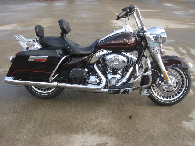 2011 Harley Davidson  FLHR Road King